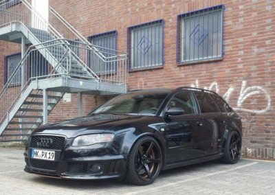 Audi_RS4_ADV