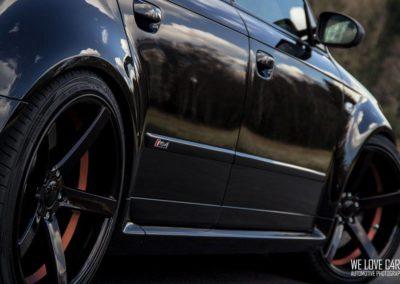 Audi_RS4_AV1.0