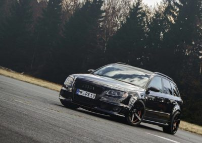 Audi_RS4_Advance